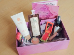 Goodiebox - 4 elements - luft - Inca oil - Evolve Beauty - Naobay - Manna kadar - Teeez cosmetics - Lasplash