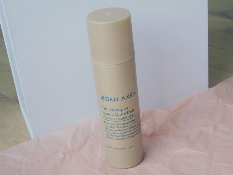 Nicehair.dk – Nicebox – oktober. Skønhed. Beauty. Hudpleje. Björn Axén - Sunny Grapefruit Dry Shampoo