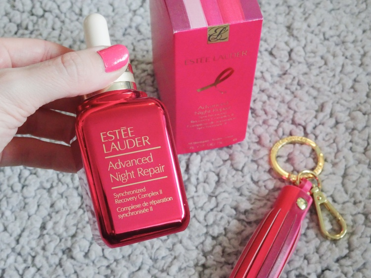 Advanced Night Repair with Pink Ribbon Keychain – Støt Brysterne - Estée Lauder Companies - #TimeToEndBreastCancer – Skønhed – Hudpleje – Skincare - Beauty