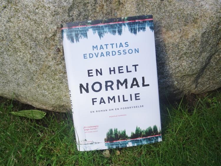 En helt normal familie af Mattias Edvardsson