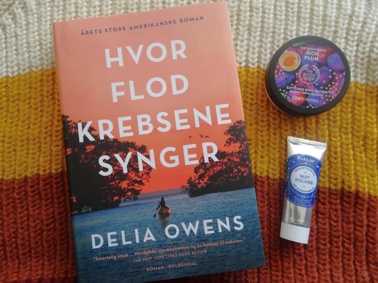 Hvor flodkrebsene synger af Delia Owens. Roman fra Gyldendal. Købt hos Bog og Ide.