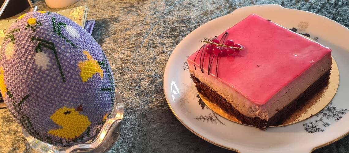 Påske - hindbær chokolade kage fra Farumhus